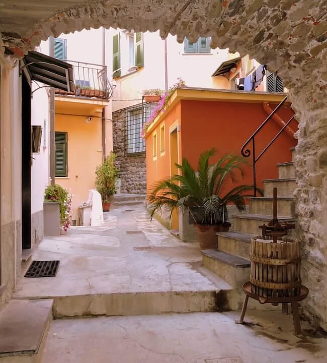 Rue Cinque Terre Village