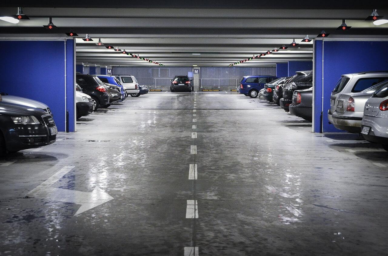 Parkos, le comparateur de parking à l'aéroport
